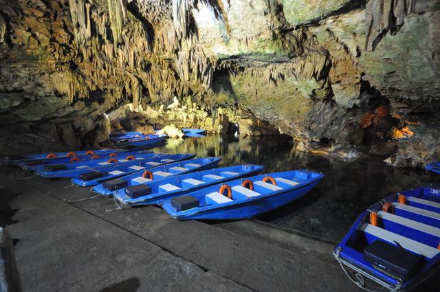 Visiter les grottes de Diros dans le Péloponnèse