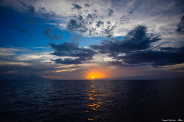 bateau-couche-de-soleil-reunion-2